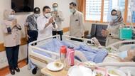 Jenguk Verawaty Fajrin, Menpora Pastikan Dokter Beri Layanan Terbaik