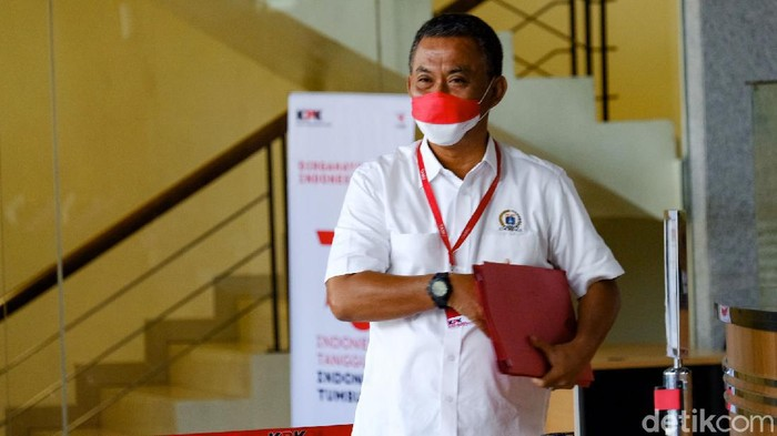 Ketua DPRD DKI Jakarta Prasetio Edi Marsudi mendatangi KPK. Pras datang berkaitan dengan panggilan padanya untuk diperiksa terkait kasus dugaan korupsi pengadaan lahan di Munjul, Jakarta Timur.