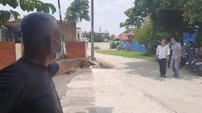 Lokasi kejadian pembacokan sadis oleh pria berhelm hitam di Jalanan Palembang