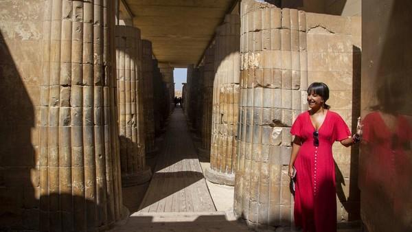 Selain Makam Selatan, dataran tinggi Saqqara menampung setidaknya 11 piramida, termasuk Piramida Langkah, serta ratusan makam pejabat kuno dan situs lain yang berkisar dari Dinasti ke-1 (2920 SM-2770 SM) hingga periode Koptik (395-642).