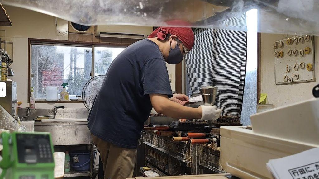 Nyaris Bangkrut, Penjual Taiyaki Ini Minta Maaf Karena Isian Kuenya Sedikit