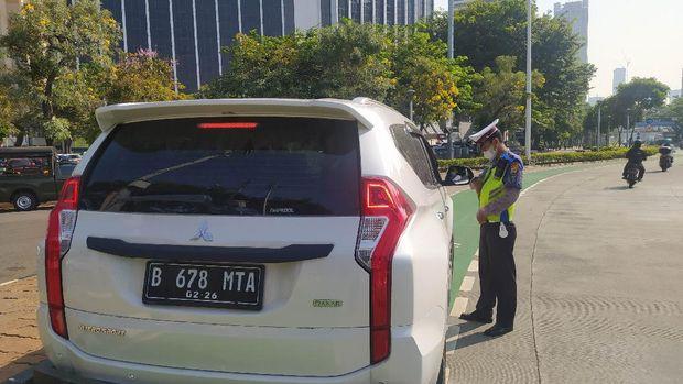 Operasi Patuh Jaya di Kawasan Gage Sudirman, Tak Pakai Masker Disetop