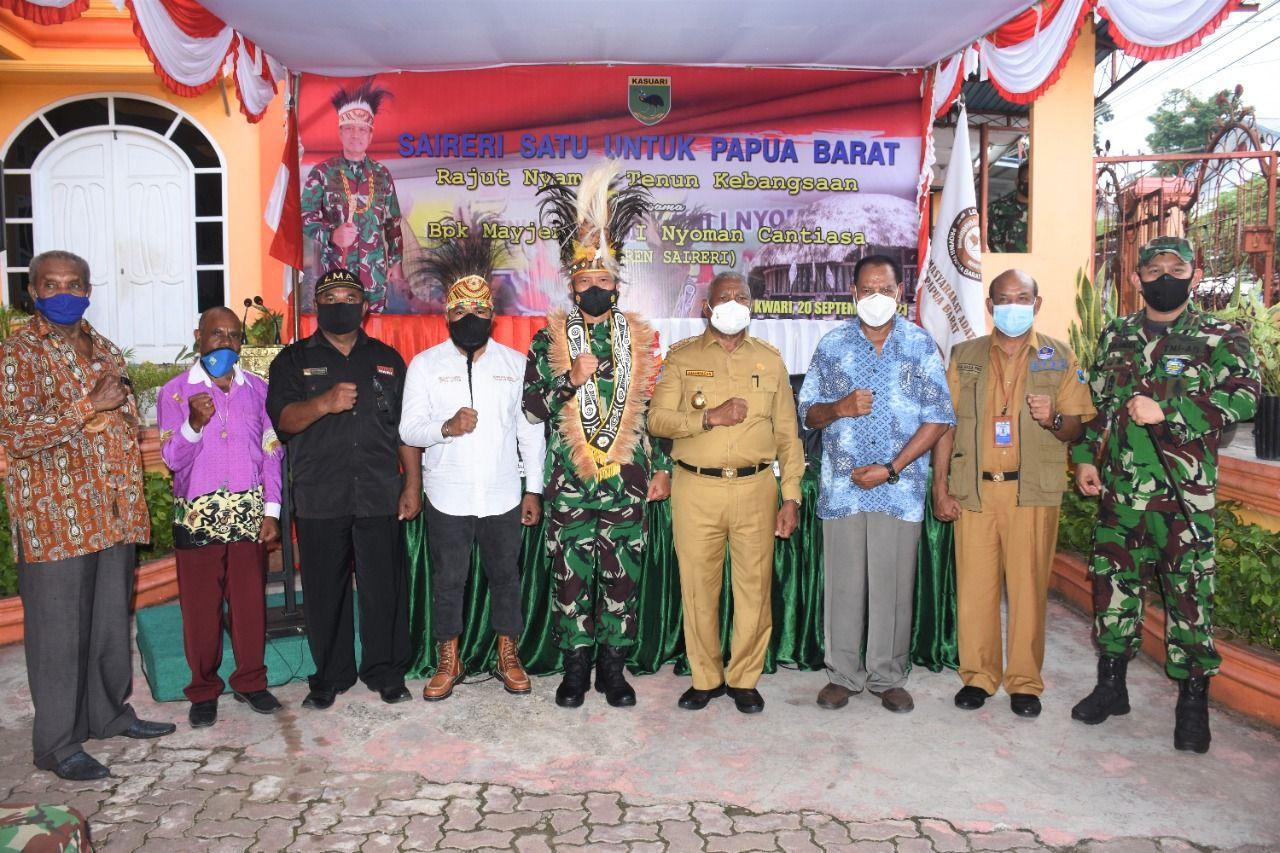 Pangdam XVIII/Kasuari Mayjen TNI I Nyoman Cantiasa, mengatakan Tanah Papua adalah warisan leluhur yang harus dijaga. Dia mengatakan pembangunan Papua harus dilakukan dengan penuh kedamaian. (dok Kodam Kasuari)
