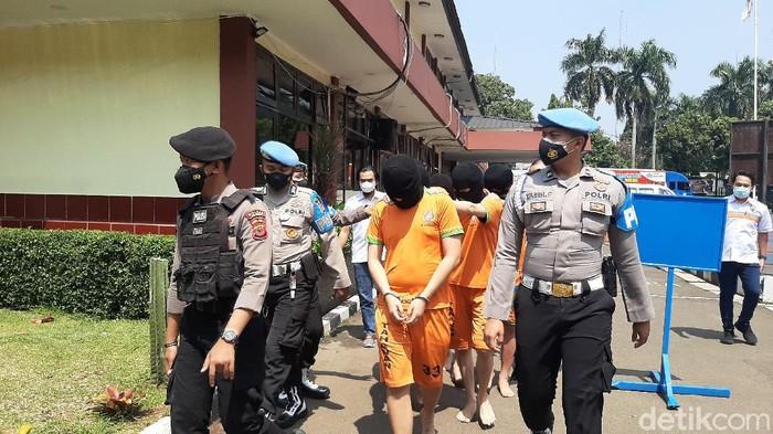 Polisi Bongkar Pabrik Tembakau Sintetis di Tangerang-Jakarta