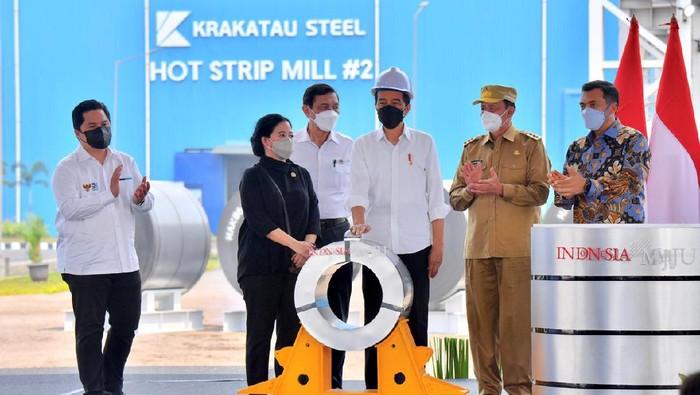 Presiden Jokowi dan Puan Maharani menghadiri peresmian pabrik industri baja di Cilegon, Banten.
