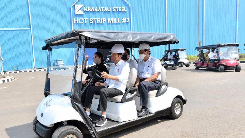 Potret Jokowi Sopiri Puan di Banten