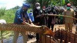 Sandi Jadi Menteri Pertama yang Kunjungi Kampung Yoboi Papua