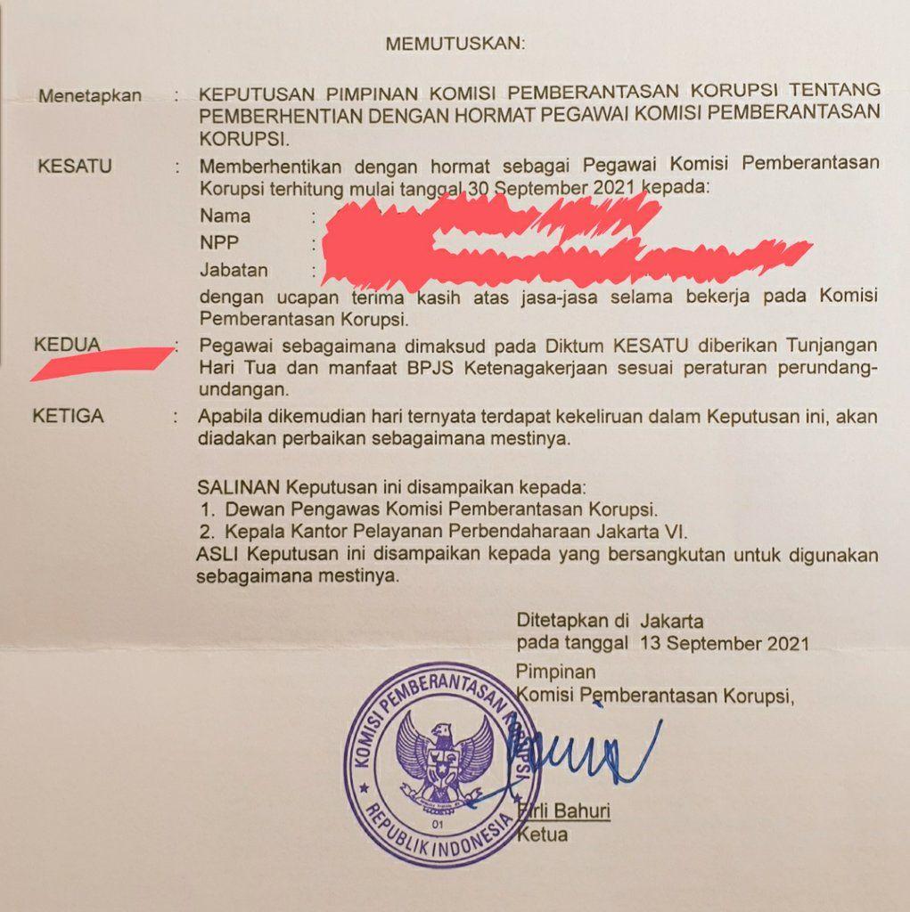 Surat Pemecatan Pegawai KPKdari Twitter Giri Suprapdiono