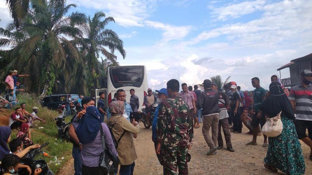 TNI-Komnas PA Evakuasi Anak-anak Korban Konflik Perusahaan-Pekerja di Riau