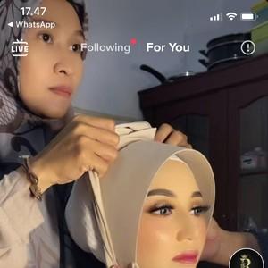 Saking Cantiknya, Pengantin di Sulawesi Ini Viral Dikira Manekin Saat Dirias