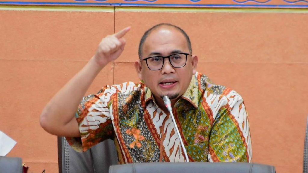 Andre Rosiade Desak Pemerintah Fokus Pada Opsi Penyelamatan Garuda