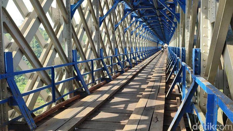 Jembatan Cirahong Ciamis