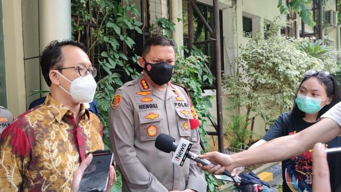 Kapolres Metro Jakarta Pusat Kombes Hengki Haryadi (kanan) penuhi panggilan Komnas HAM soal dugaan pelecehan di KPI
