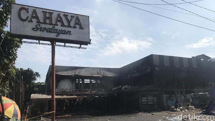 Kebakaran toko swalayan Cahaya di Cilandak (Faiz Maulid/detikcom).