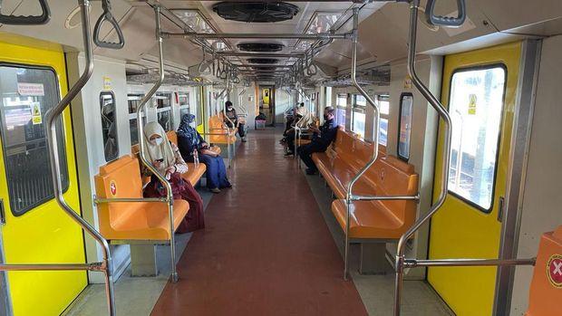 kereta api lokal daop 8 Surabaya