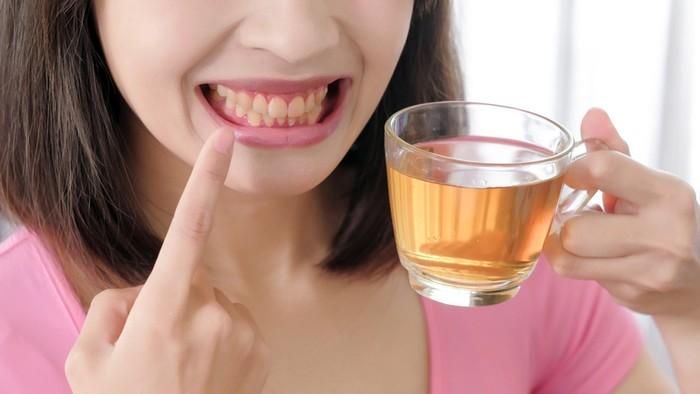 Minum teh terlalu sering sebabkan gigi kuning