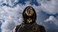 Misteriusnya Penemu Bitcoin, Patungnya Berdiri di Budapest