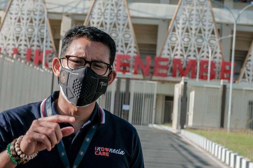 La ministra de Turismo y Finanzas Creativas, Sandiga Uno, inspeccionó el estadio Lucas Enemb.  El estadio será la sede principal de PON XX Papua.