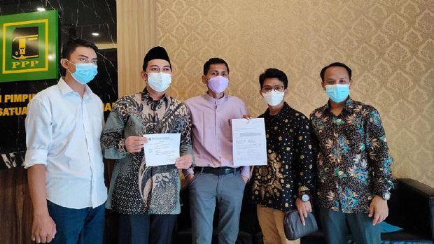 Syaiful Ramhat Dasuki resmi menggugat penetapan Haji Lulung sebagai Ketua DPW PPP DKI ke Mahkamah Partai, Rabu (22/9/2021).