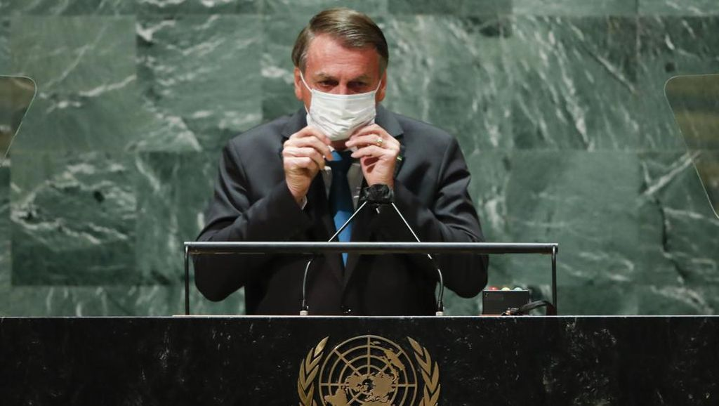 Duh, Menkes Brasil Positif Corona Usai Dampingi Bolsonaro di Sidang Umum PBB