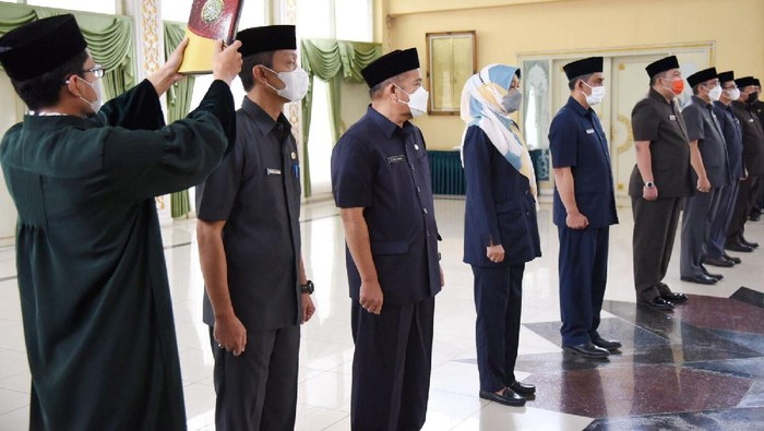 Rotasi pejabat di Pemkab Bandung.