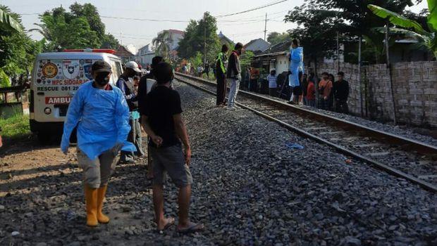 tewas tertabrak kereta api di sidoarjo