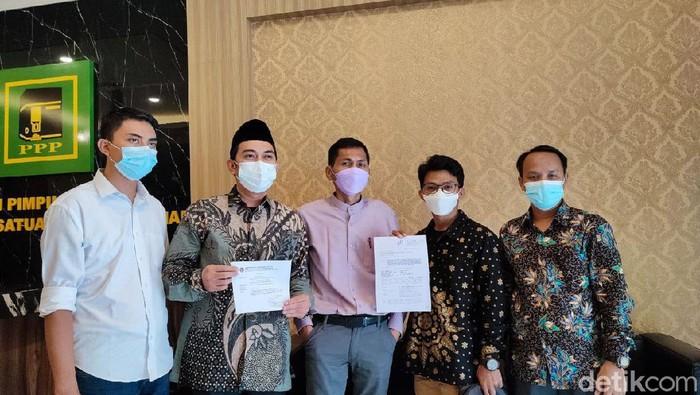 Tim kuasa hukum Haji Syaiful Rahmat Dasuki menggugat Haji Lulung ke Mahkamar Partai PPP