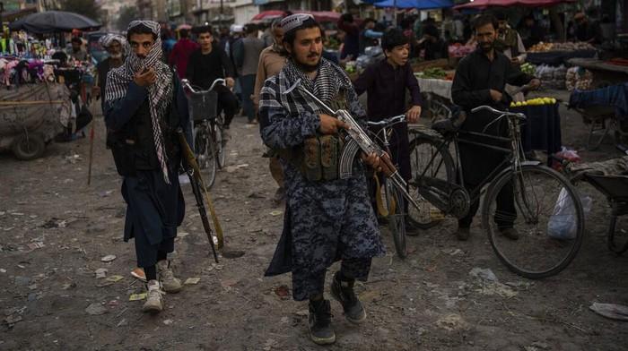 Usai kuasai Afghanistan, Taliban kini hadapi ancaman serangan Islamic State Khorasan (IS-K). serangan demi serangan pun telah dilakukan IS-K di Afghanistan.