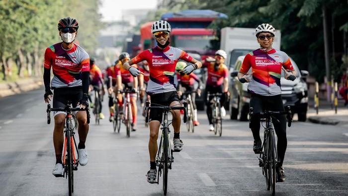 PRURide Indonesia 2021 Virtual Ride yang dimulai sejak Agustus lalu mencapai garis finis. Lebih dari 3.000 pesepeda mengikuti ajang ini.