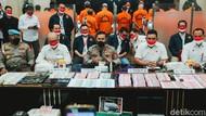 20 Tersangka Kasus Peredaran Uang Palsu Kini Berbaju Oranye