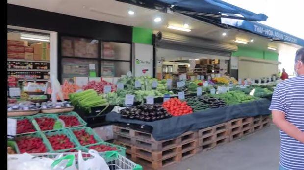 Belanja di Pasar Tradisional Australia, Wanita Ini Bisa Beli Durian
