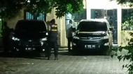 KPK Bawa Dua Koper Usai Geledah Kantor Dinas PUPR Pemkab Probolinggo