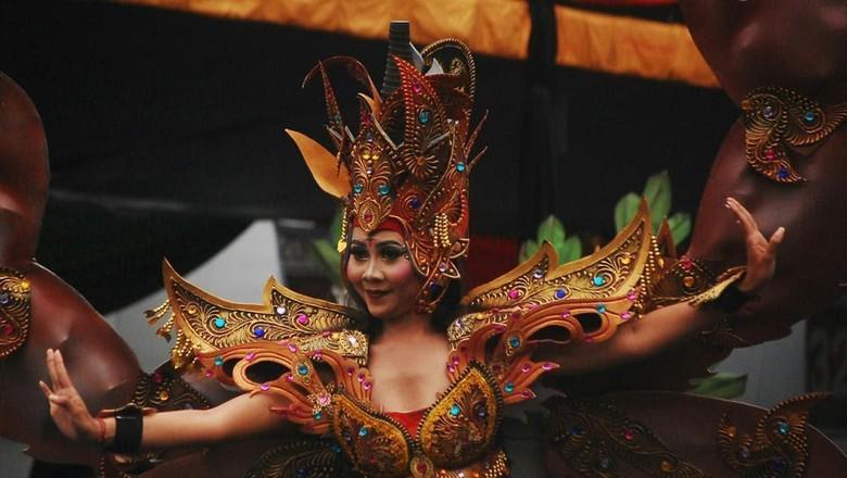 Festival busana di Indonesia