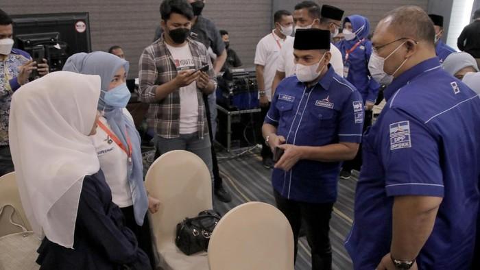 Anggota Komisi IV DPR RI yang juga kandidat calon Ketua DPD Partai Demokrat Provinsi Aceh Muslim mengaku optimis akan memimpin Partai Demokrat di Provinsi Aceh.   Rasa optimis itu karena 13 DPC dari 23 DPC Kota dan Kabupaten se-Provinsi Aceh telah menyatakan sikap dukungan pada dirinya.