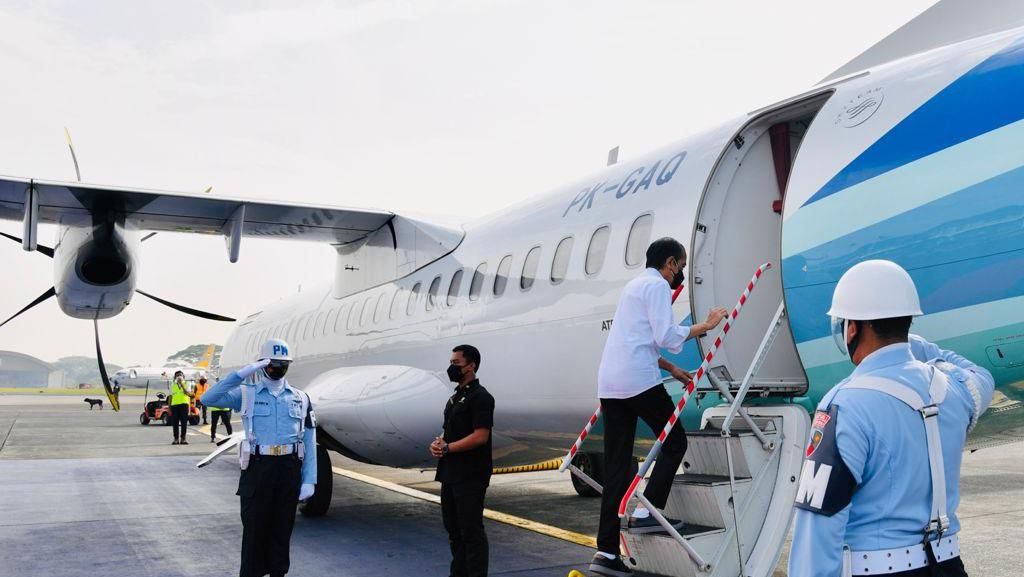 Kunker ke Cilacap, Jokowi Tinjau Vaksinasi hingga Lepas Tukik