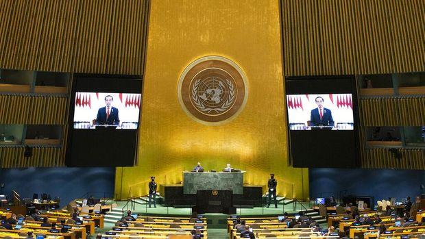 Presiden Joko Widodo (Jokowi) menyampaikan pidatonya dalam sidang umum ke-76 PBB. Jokowi menyampaikan sejumlah isu termasuk penanganan pandemi COVID-19 di seluruh negara.