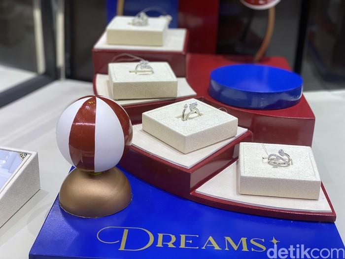 Koleksi perhiasan berlian Mondial Dreams terbaru (Foto: Daniel Ngantung/detikcom)