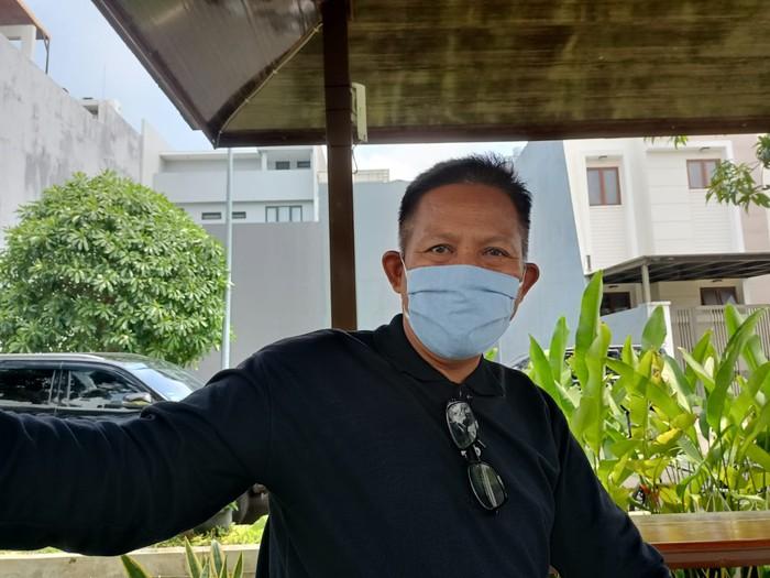 Komandan Regu II Satpam Kompleks Permata Buana Budiarto, menjelaskan soal ribut-ribut dengan warga.