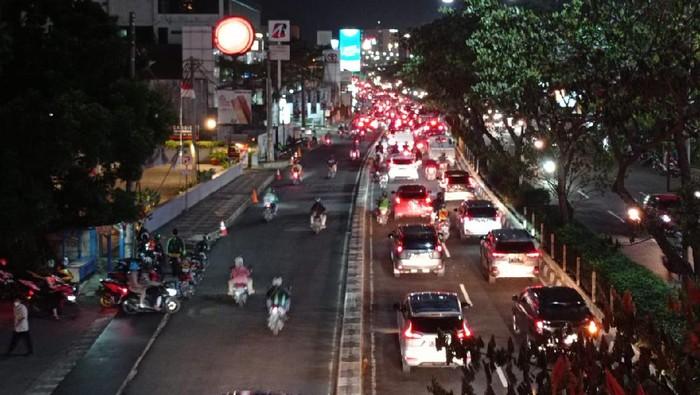 Lalu lintas di Jalan Margonda Depok