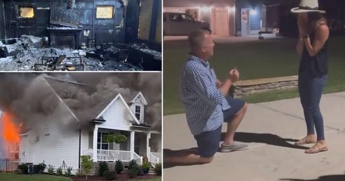 Pria lamar kekasih saat rumahnya terbakar.