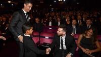 Saat Cristiano Ronaldo Jr Ketemu Lionel Messi: Kok Pendek?