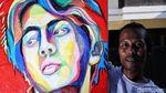 Salut, Seniman Ini Ubah Sampah Plastik Jadi Lukisan
