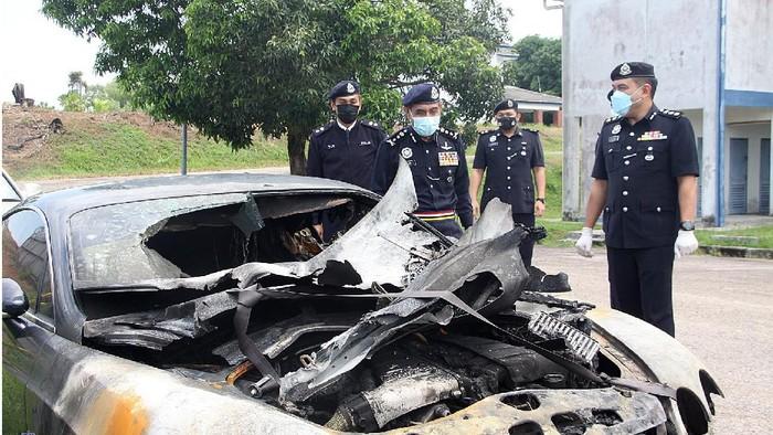 Mobil Mewah Dibakar biar Asuransinya Cair demi Bayar Utang