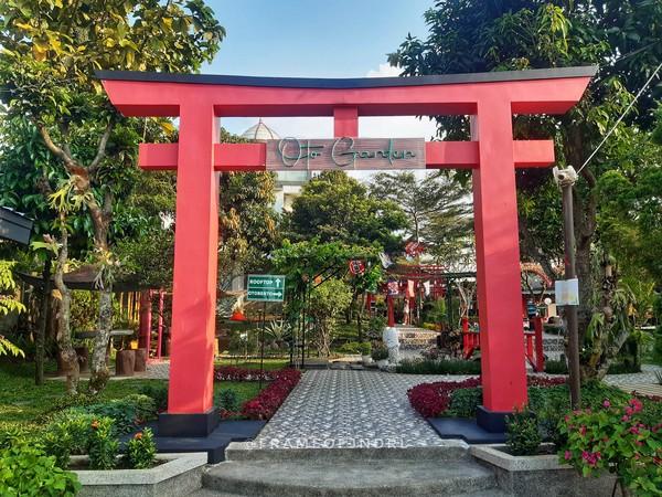 Restoran Oto Bento Kitchen di Bogor ini pas banget buat yang ingin mencicipi kuliner ala Jepang. Harga makanannya ramah di kantong, sudah begitu banyak spot buat foto-foto (Foto: frameofjndrl/Instagram)