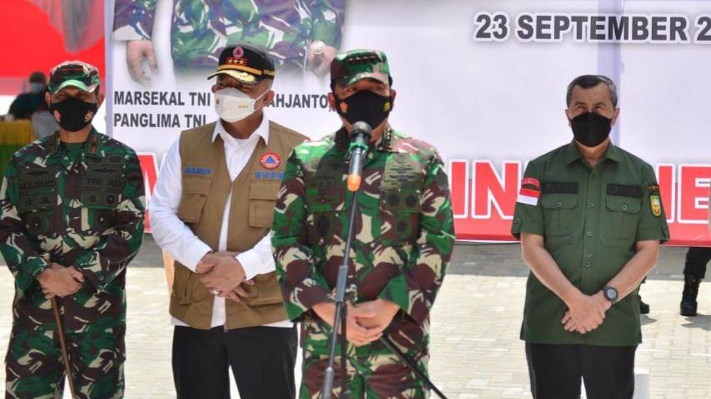 Cek Vaksinasi COVID di Riau, Panglima TNI Harap Pandemi Segera Jadi Endemi
