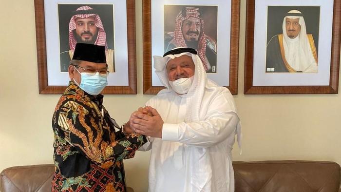 Plt Dirjen Penyelenggaraan Haji dan Umrah Khoirizi bertemu dengan Duta Besar Arab Saudi di Jakarta, Esham Altsaqafi.
