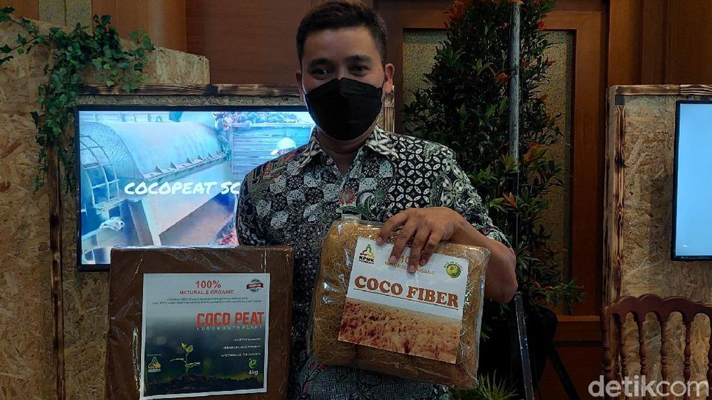 Keren! Produk Limbah Kelapa Pangandaran Diekspor ke Tiongkok-Jepang