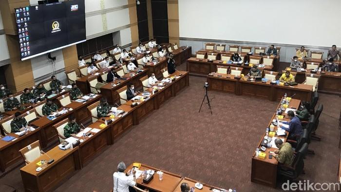 Rapat Komisi I DPR RI, Kamis (23/9/2021). (Rolando Fransiscus Sihombing/detikcom).