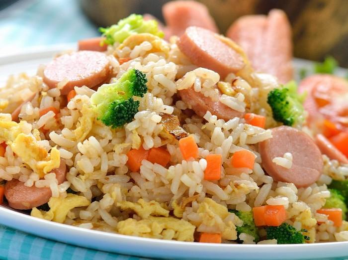 Resep Nasi Goreng Sosis dan Sayuran