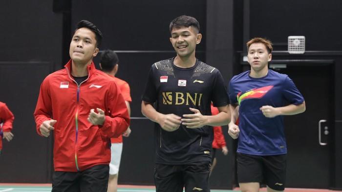 Tim bulutangkis Indonesia antusias menjalani latihan perdana di Hameenkylan Liikuntahall, Vantaa, Kamis (23/9/2021), untuk menghadapi Piala Sudirman 2021.